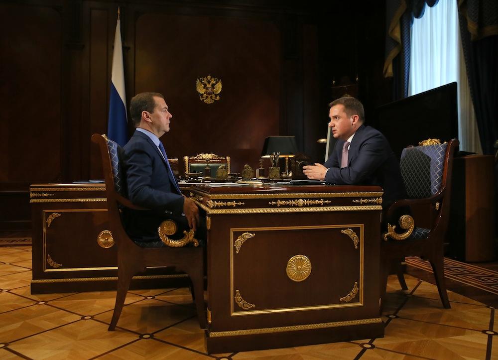 Д. Медведев обсудил сврио руководителя Ненецкого округа социально-экономическую ситуацию врегионе