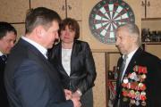 Ветеран Великой Отечественной войны Василий Самойлов встречает гостей