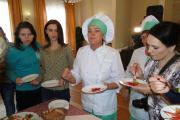 Лариса Гусева (в центре) – не только вип-повар, но и красивая женщина