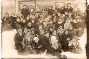 Вот они – участницы первого совещания ненецких женщин в Нарьян-Маре. Может, кто-то из наших земляков узнает здесь своих бабушек или мам