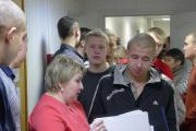 Галина Артеева раздает наказы будущим воинам