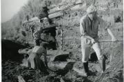 Пустозерск. Раскоп.Расчистка деревянных конструкций на  береговой линии. 1990 год