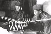 Авиамоделисты М. Третьяков и  П. Дресвянкин. Конец 1930-х