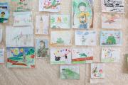 И это лишь часть творчества детей / Фото Антона Тайбарея