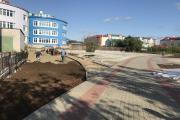 В районе Центра занятости населения заканчивается благоустройство территории / Фото автора