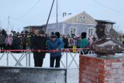 Памятник Семёну Явтысому установлен по инициативе жителей Нельмина Носа / Фото Анны Бараковой