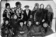 Кочевая школа и её учитель Александр Щукин (зима1932 года) / Фото из Фондов Окружного краеведческого музея
