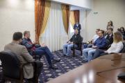 Вопросы главе региона ребята задавали разные, больше – личного характера / Фото Алексея Орлова