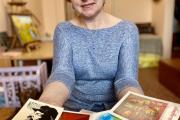 В коллекции Нелли Насоновой около 100 раритетных открыток / Фото автора