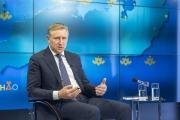 Юрий Бездудный ответил на вопросы журналистов местных и федеральных СМИ / Фото Алексея Орлова