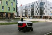 Жителям Иннополиса при заказе еды в приложении Яндекс.Еда или в telegram-боте её доставляет специальный робот / Фото с сайта innopolis.ru