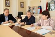 Олег Белак провёл совещание по важному вопросу / Фото пресс- службы администрации города