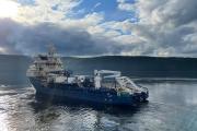 Судно-кабелеукладчик Northern Wave выходит из порта Мурманска / Фото пресс-службы ФГУП «Морсвязьспутник»