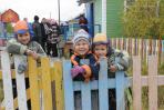 Детвора Нельмина Носа ждёт / Фото Антона Тайбарея
