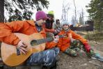Песни у костра – традиция слёта / Фото  Антона Тайбарея