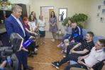 Выпускники НАО поделились с Юрием Бездудным планами на будущее / Фото Алексея Орлова