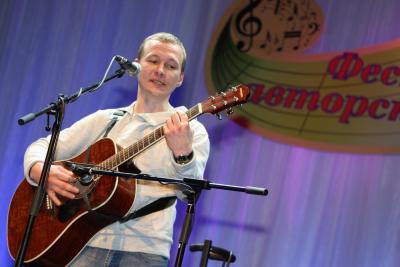 Дмитрий Харс стал победителем конкурса бардов