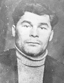 Фото 1932 года: И. Выучейскому 31 год, а он  уже успел сделать очень много для нашего округа