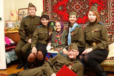 Праздничный десант в гостях у Анисьи Меркурьевны Шалониной