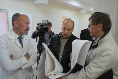 Врачи, чиновники и горожане обсудили вопрос переноса поликлиники в диагностический центр