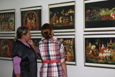 Сказки Пушкина оживают в палехских миниатюрах
