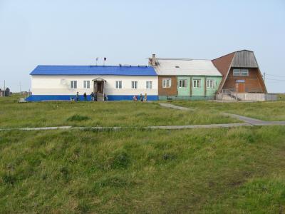 В это здание администрации скоро перекочует школа