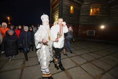 Крестный ход на Пасху возглавили владыка Иаков и губернатор Игорь Кошин