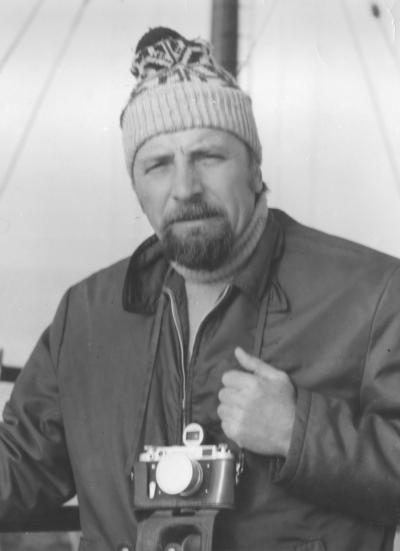 В 1987 году Овсянников вторично  приехал в Нарьян-Мар, за его плечами  было свыше 30 лет археологических  работ в условиях Крайнего Севера
