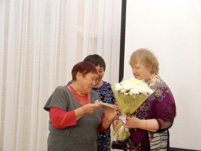 Матрёна Талеева пожелала коллеге по перу творческого задора и новых  поэтических строк