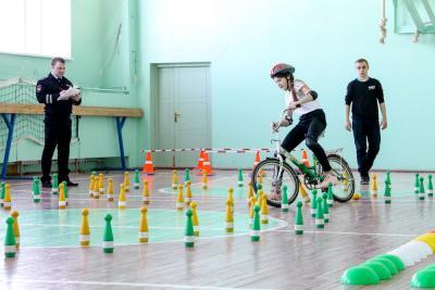 Очередное задание конкурса «Безопасное колесо» / Фото Екатерины Шутяк