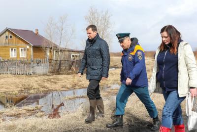 Губернатор в Великовисочном / Фото Антона Тайбарея