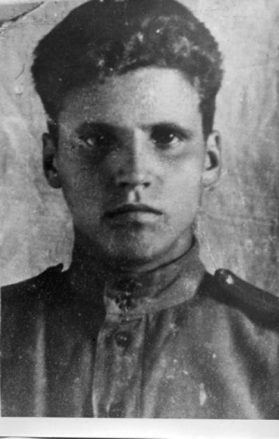 Старший лейтенант Евгений Хабаров, преследуя врага, был смертельно ранен разорвавшимся снарядом / Фото предоставлено автором