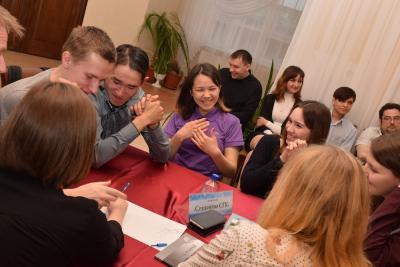 Мозговой штурм команды «Студенты СГК» / Фото предоставлено ЭКЦ НАО