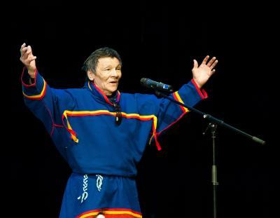 Иван Выучейский на сцене / Фото ЭКЦ НАО