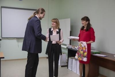 Никита Зубанков получает заслуженную награду / Фото Алексея Орлова
