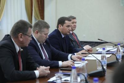 Александр Цыбульский принял участие в заседании регионального политсовета «ЕР» / Фото Екатерины Эстер