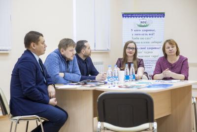 Из 3 206 опрошенных подростков и молодёжи примерно каждый десятый находится в группе риска / Фото Алексея Орлова