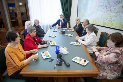Вместе обсудили рабочие моменты / Фото Алексея Орлова