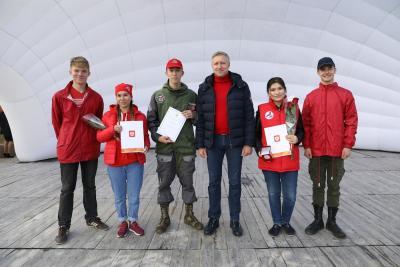 Молодёжь округа отмечена памятными медалями президента / Фото Екатерины Эстер