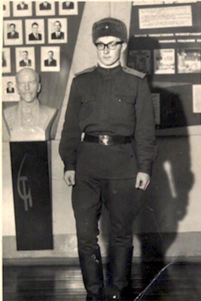 Александр Саблин окончил службу командиром отделения связи / Фото из личного архива А. И. Саблина