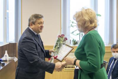 В праздничный день авиаторов приветствовал Александр Лутовинов / Фото Алексея Орлова