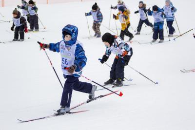 На дистанции юные спортсмены. Волновались все, но, пожалуй, больше всех – родители / Фото Игоря Ибраева
