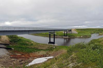 Формально мост через реку Шапкина был построен, но объект не принят в эксплуатацию / Фото Екатерины Эстер