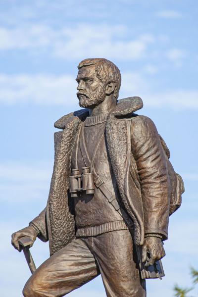 Памятник в посёлке Искателей / фото Игоря Ибраева