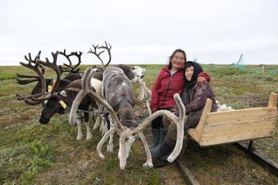 Фермер Вера Варницына с сыном / Фото Екатерины Эстер