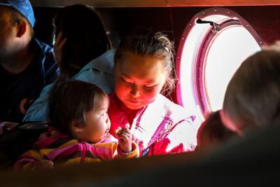 Родительская миссия – очень ответственная / Фото Антона Тайбарея