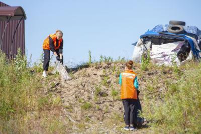 Волонтёры принимают активное участие в акции «Чистые берега» и многих других / Фото Игоря Ибраева